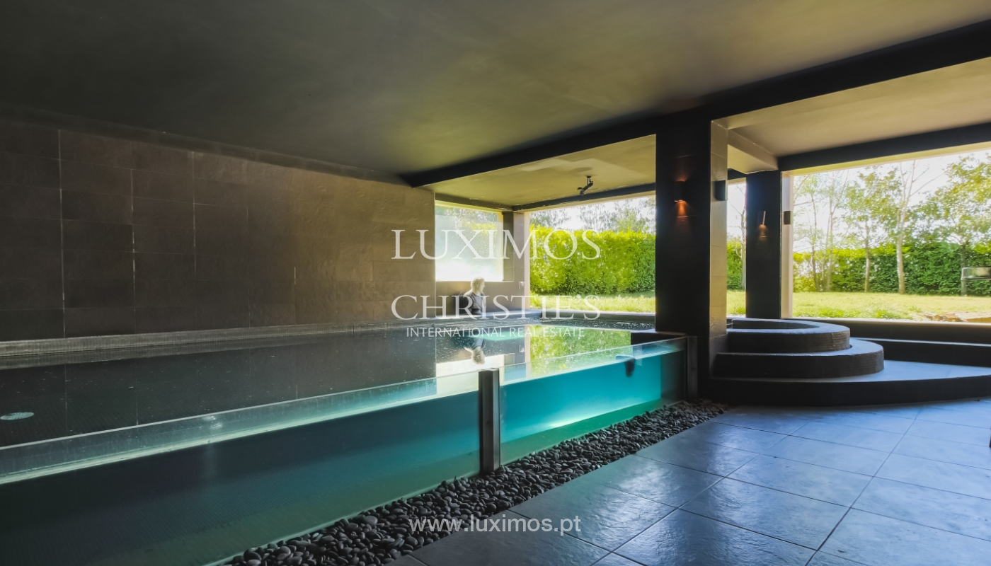 Sale of contemporary and luxury villa with pool and garden, Maia, Portugal_100185