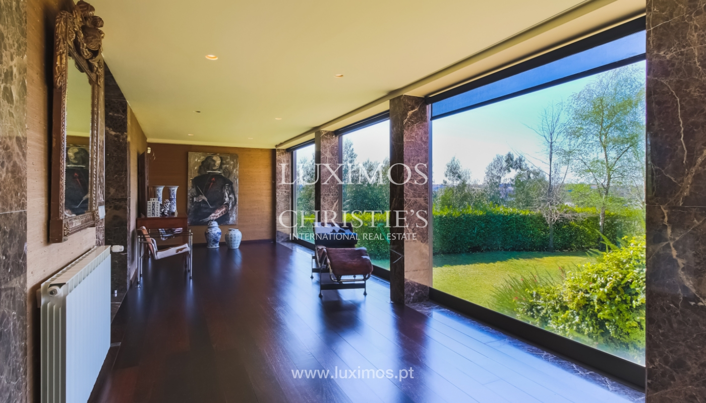 Sale of contemporary and luxury villa with pool and garden, Maia, Portugal_100211