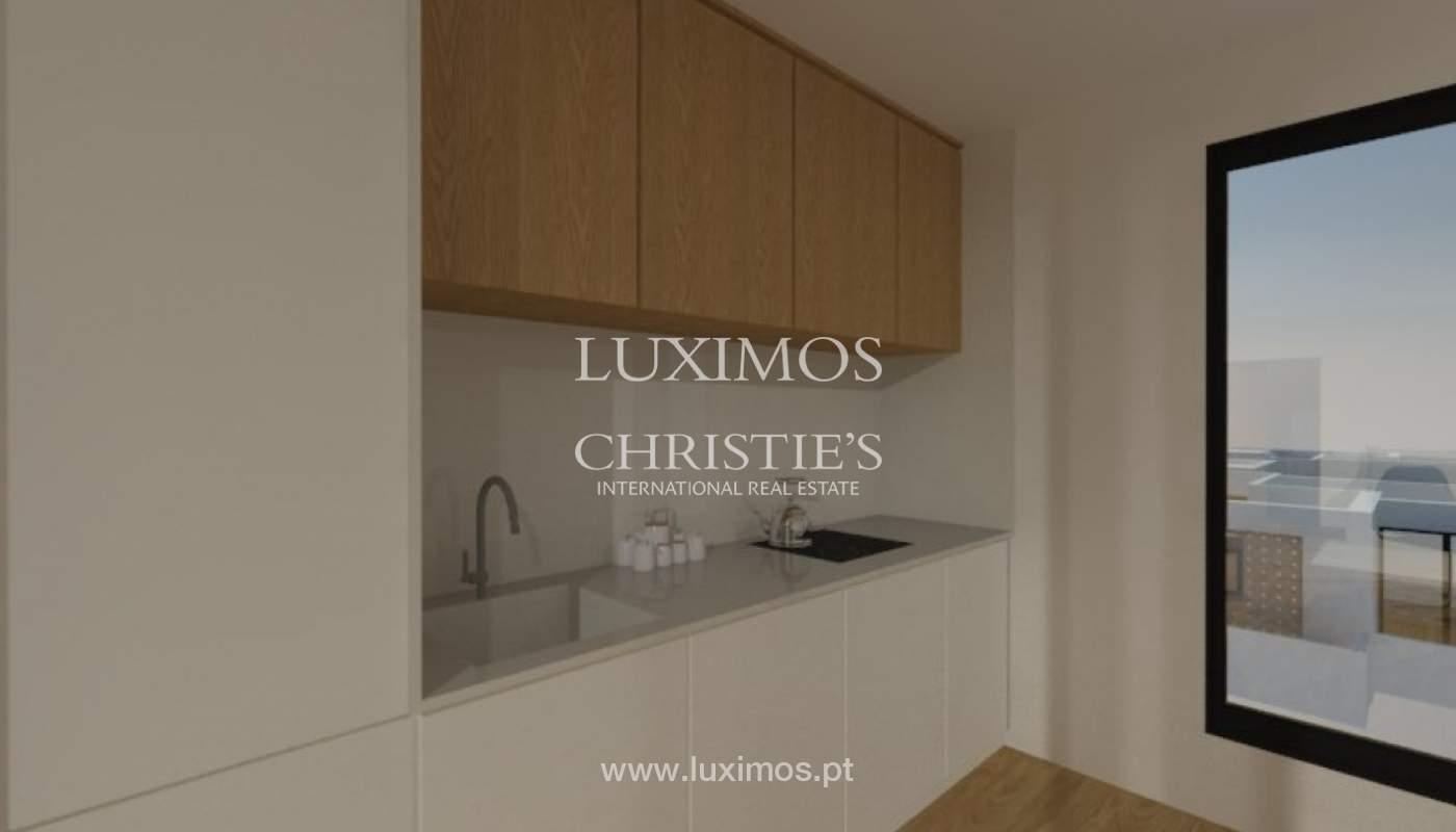Apartamento nuevo y moderno para la venta en Porto, Portugal_100305