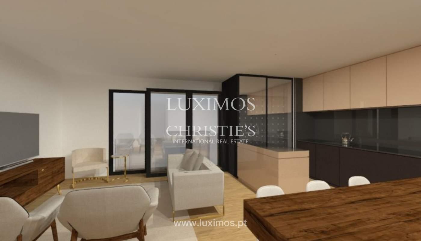 Apartamento nuevo y moderno para la venta en Porto, Portugal_100404