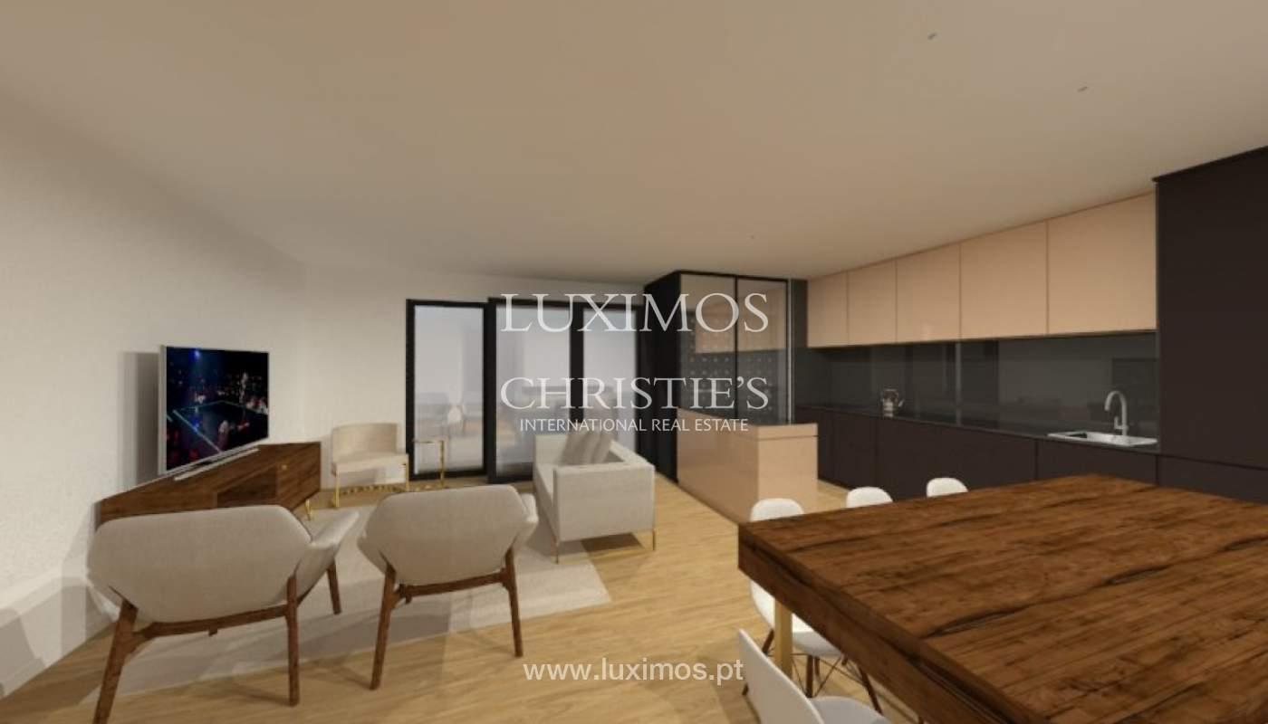 Apartamento nuevo y moderno para la venta en Porto, Portugal_100405