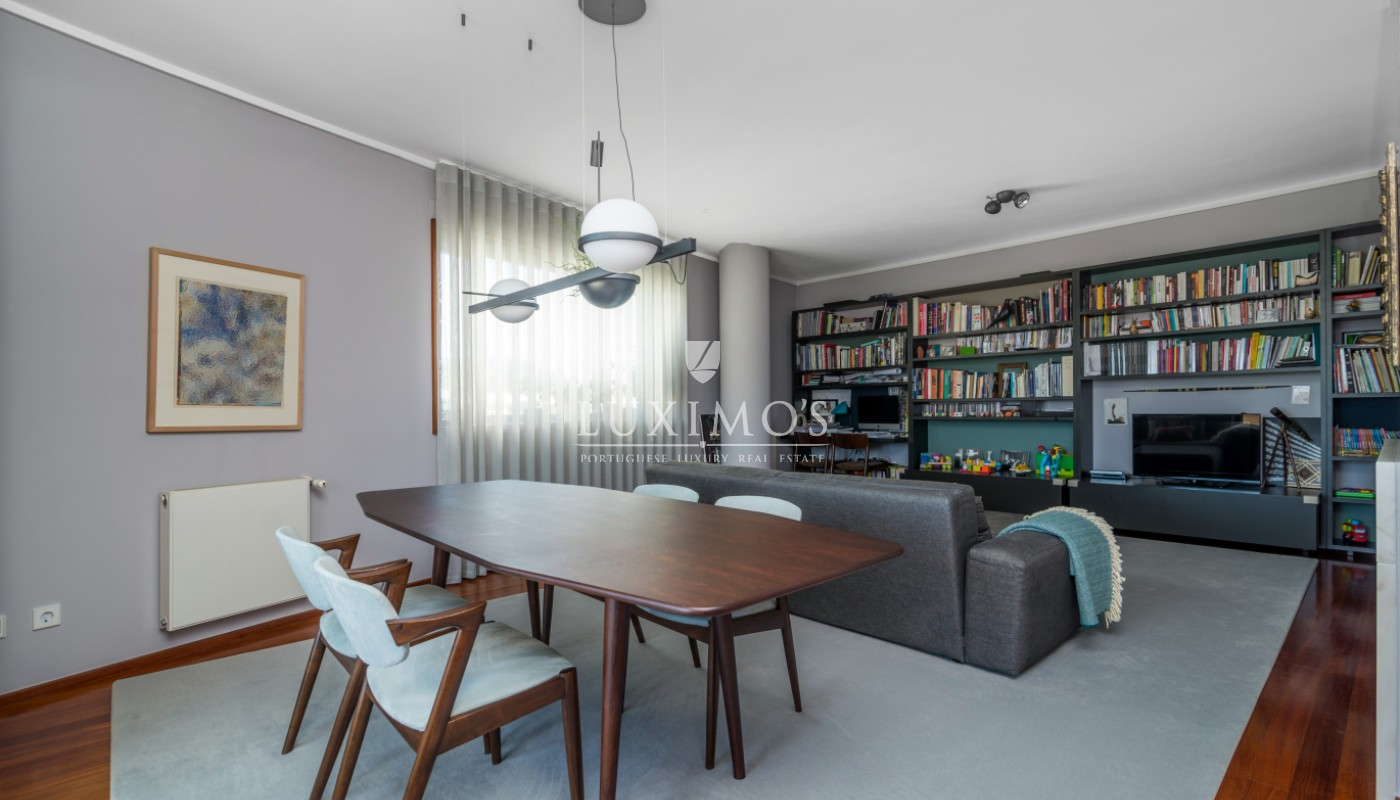Sale of apartment with ocean views, next to city park, Porto, Portugal_101065