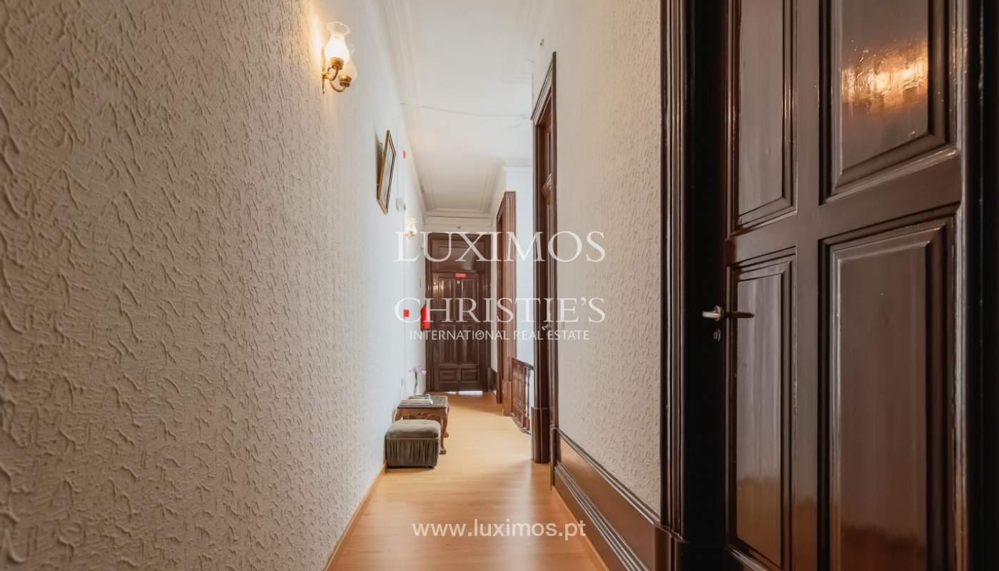Venda de moradia em localização central, Boavista, Porto_101107