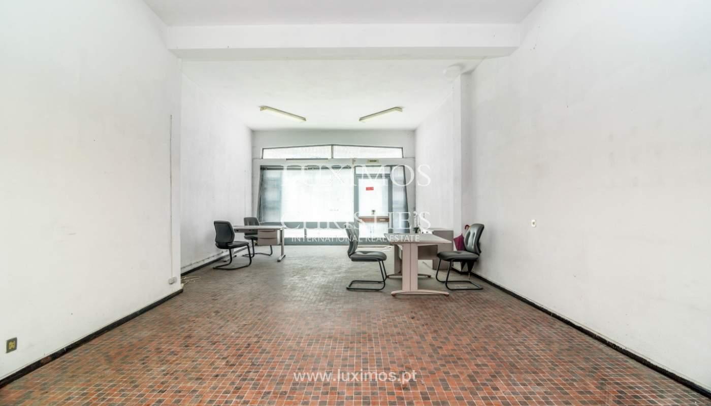 Bâtiment avec local commercial et du logement, Porto, Portugal_101118