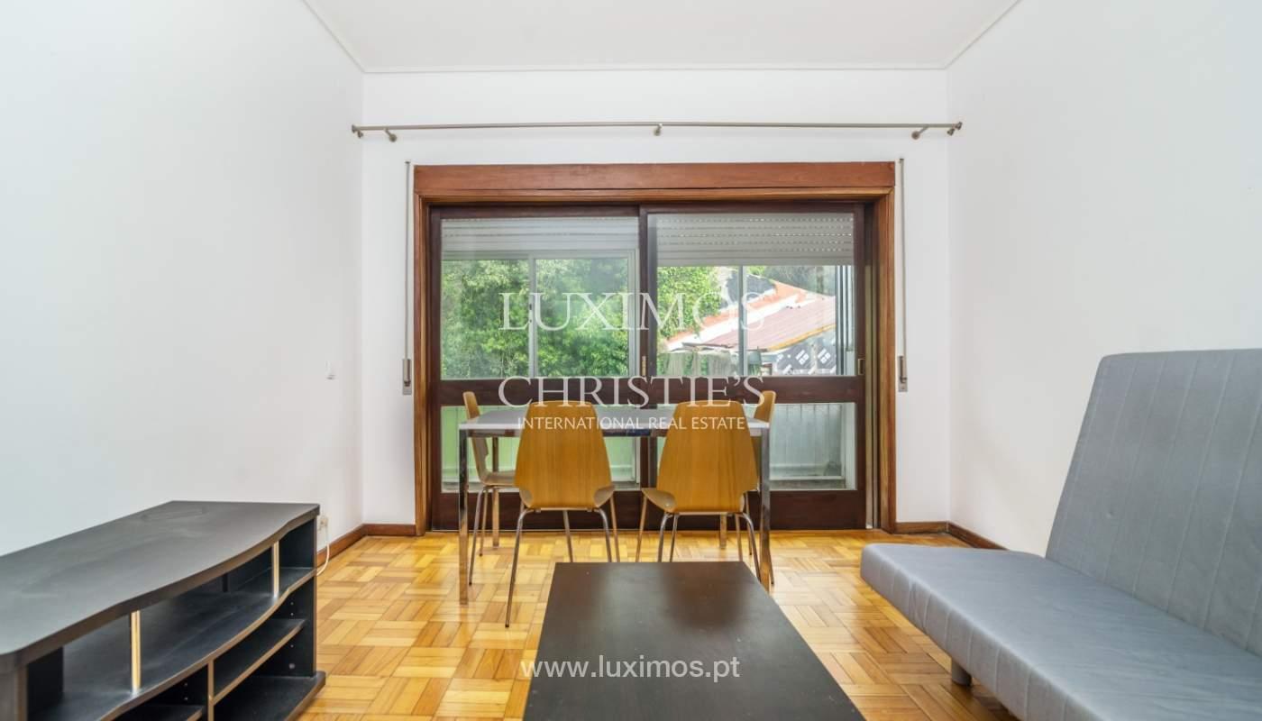 Bâtiment avec local commercial et du logement, Porto, Portugal_101129
