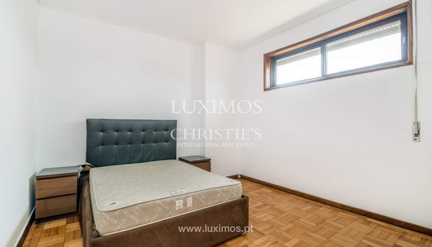 Bâtiment avec local commercial et du logement, Porto, Portugal_101131