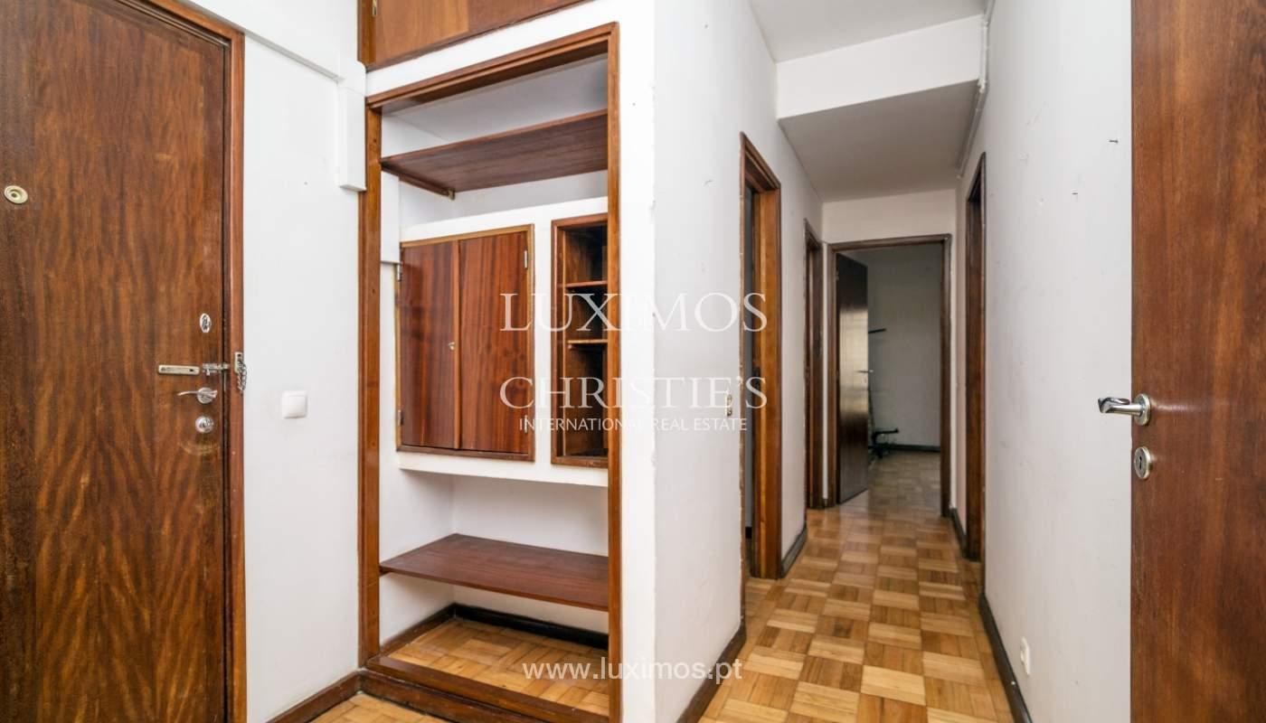 Bâtiment avec local commercial et du logement, Porto, Portugal_101137