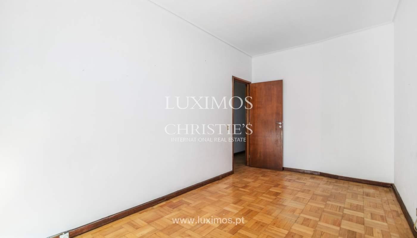 Bâtiment avec local commercial et du logement, Porto, Portugal_101142