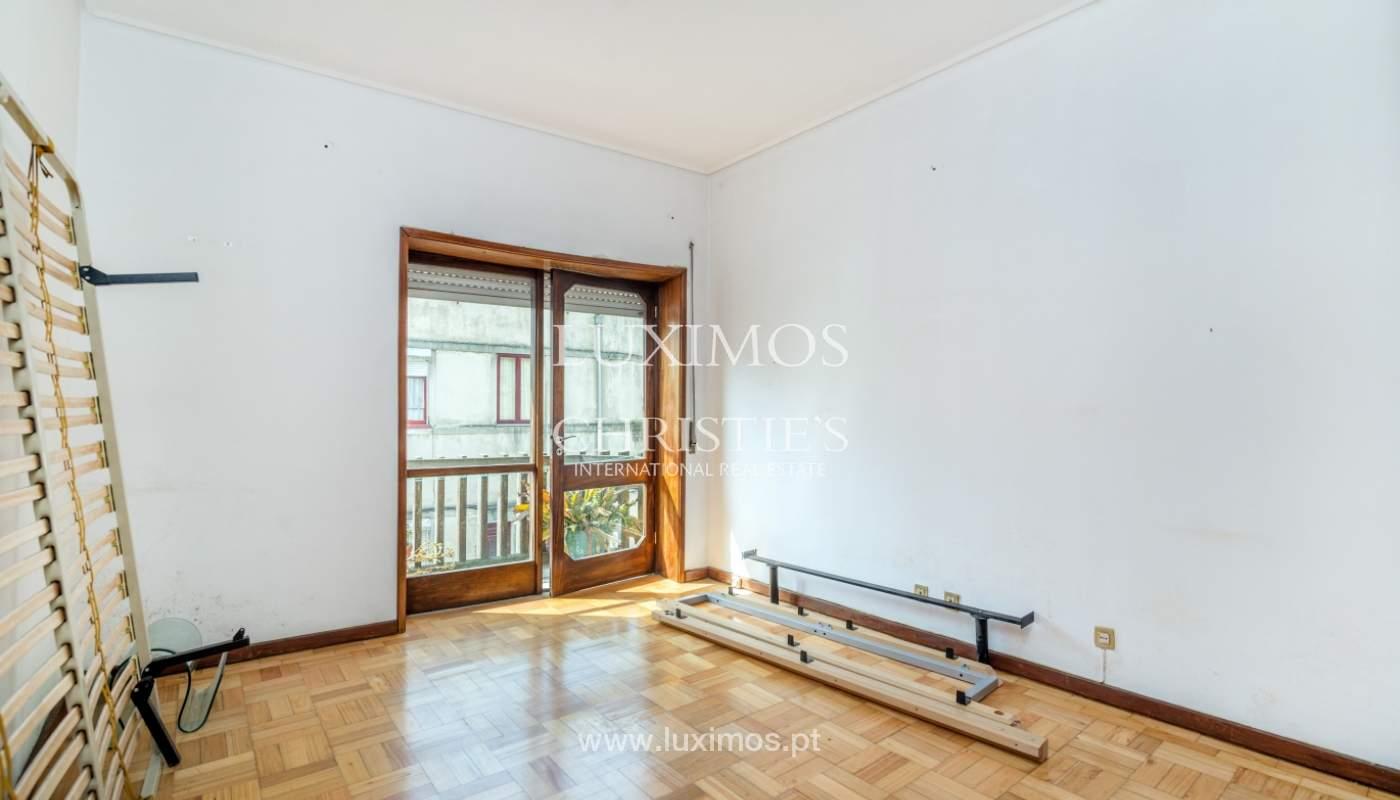 Bâtiment avec local commercial et du logement, Porto, Portugal_101143