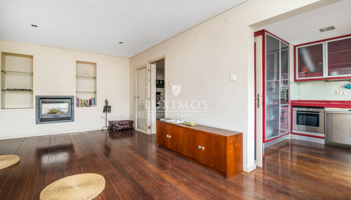 Sale of house with garden, in noble location, Foz do Douro, Portugal_101166