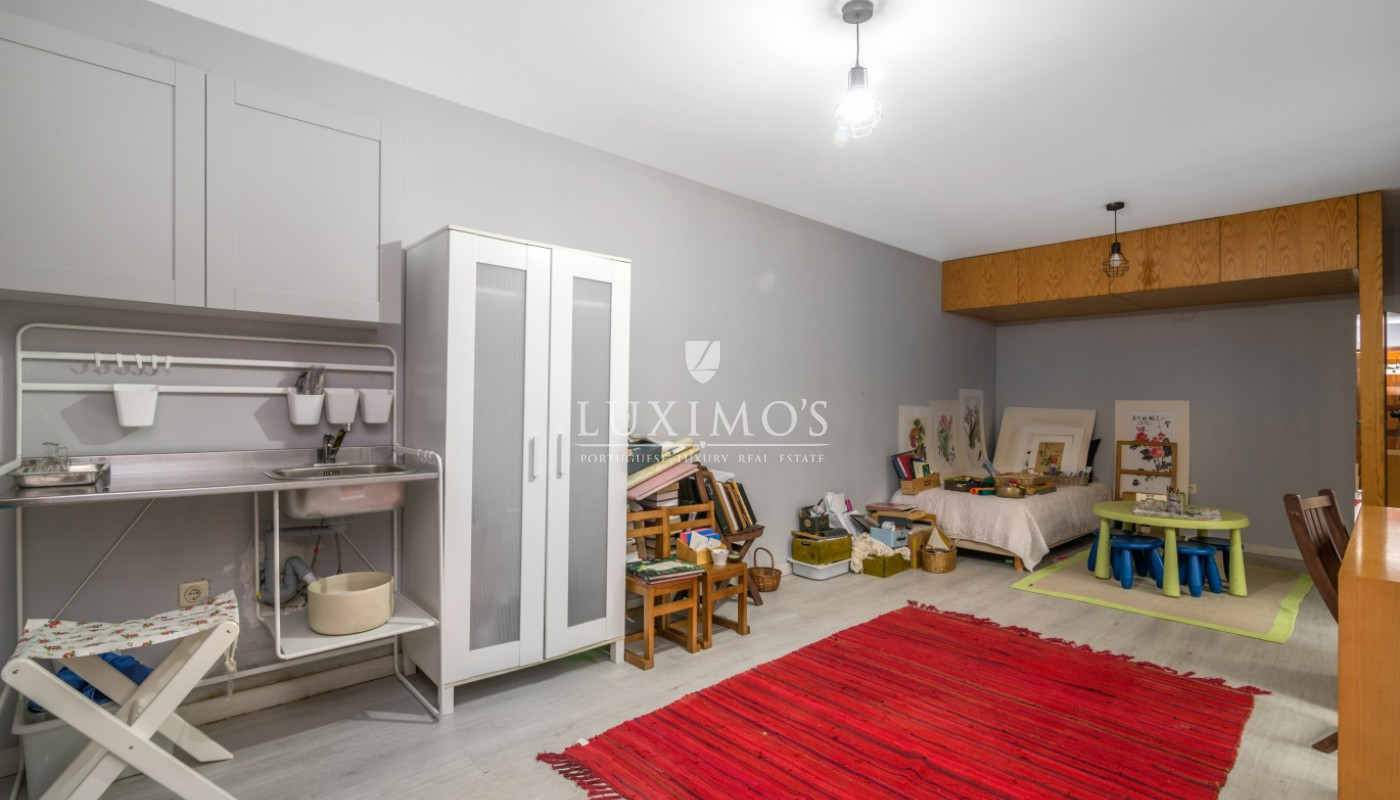 Sale of house with garden, in noble location, Foz do Douro, Portugal_101183