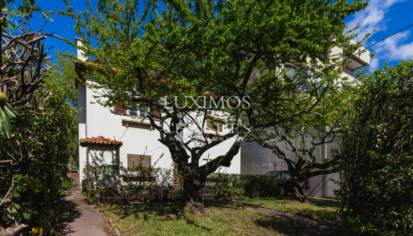 Sale of house with land, for reconstruction, Matosinhos, Portugal_101449