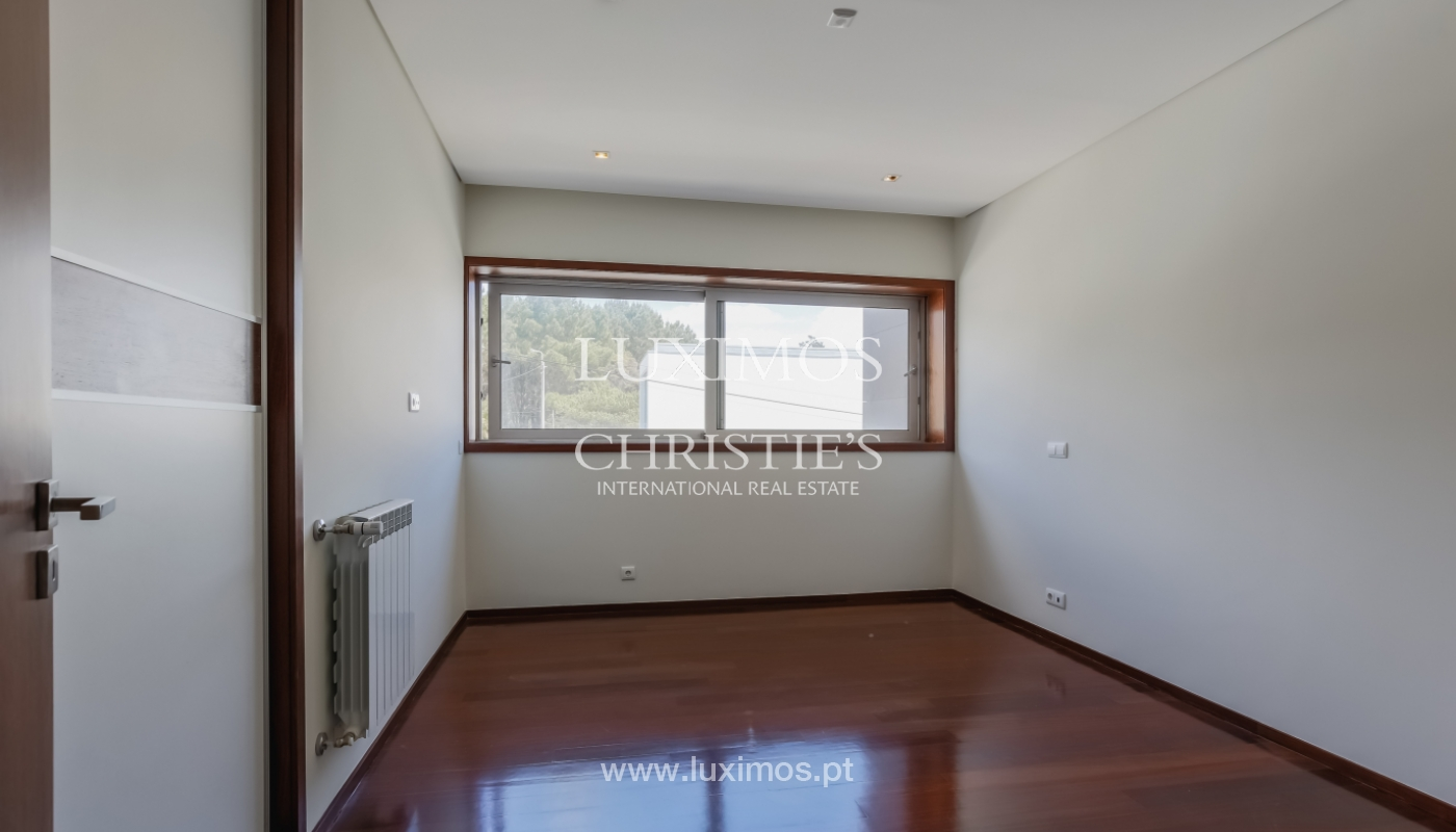 Sale of modern house, close to beach, Canidelo, V. N. Gaia, Portugal_101556