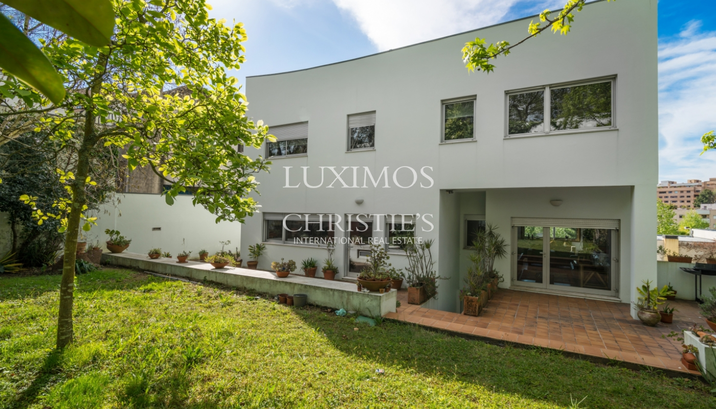 Sale of modern and luxury house, with garden, Matosinhos, Portugal_101584