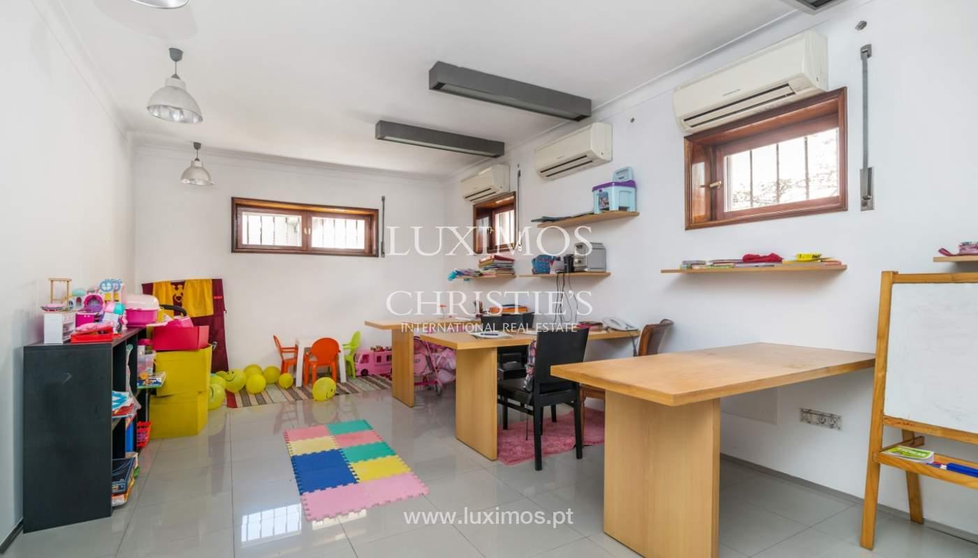 Maison rénovée, avec 3 fronts et jardin à vendre, Antas, Porto, Portugal_101647