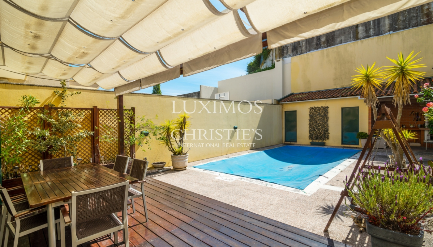 Sale of villa with swimming pool, next to the City Park, Porto, Portugal_101913