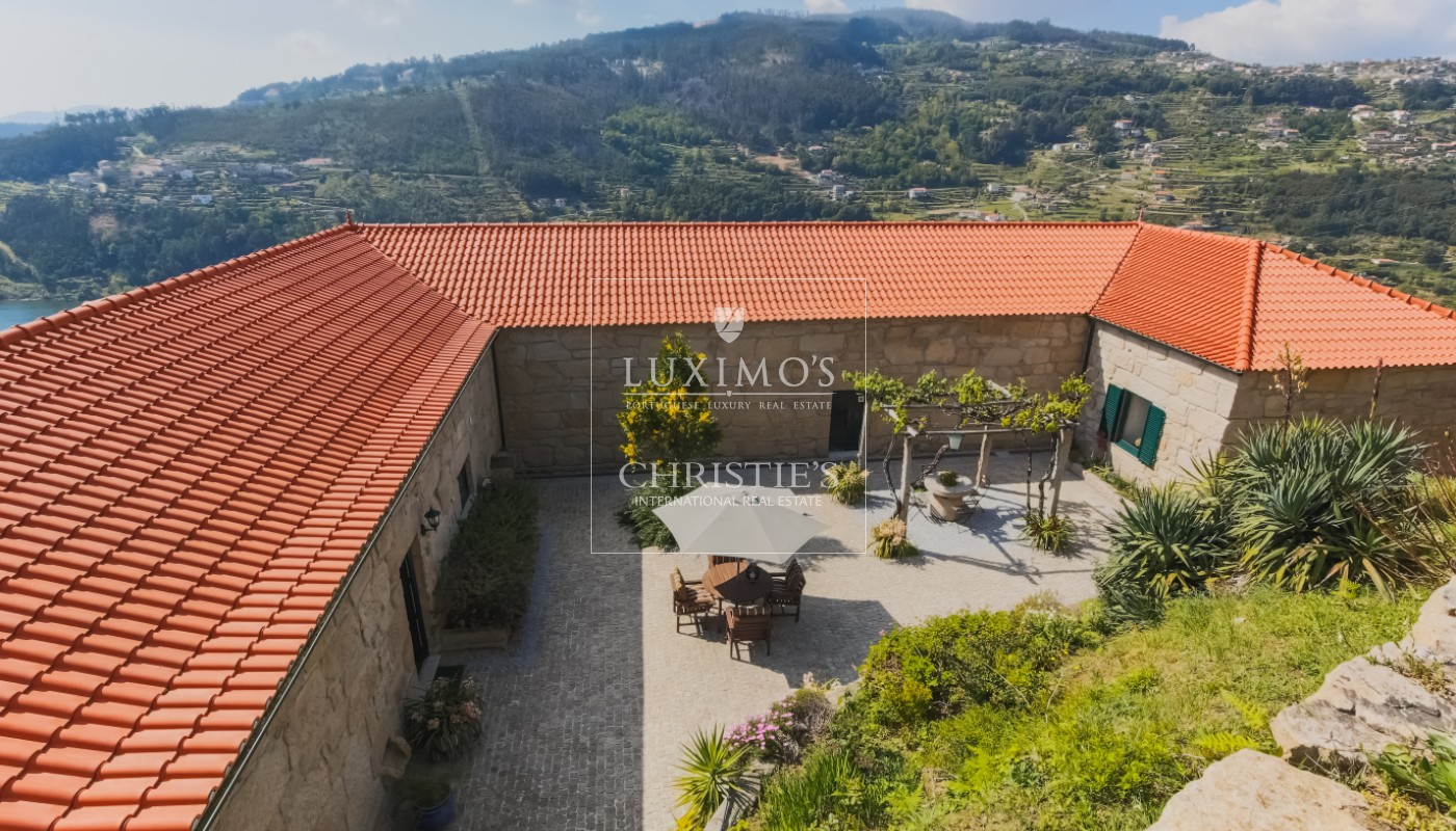 Sale country house with solar and pool, Cinfães do Douro, Portugal_102182