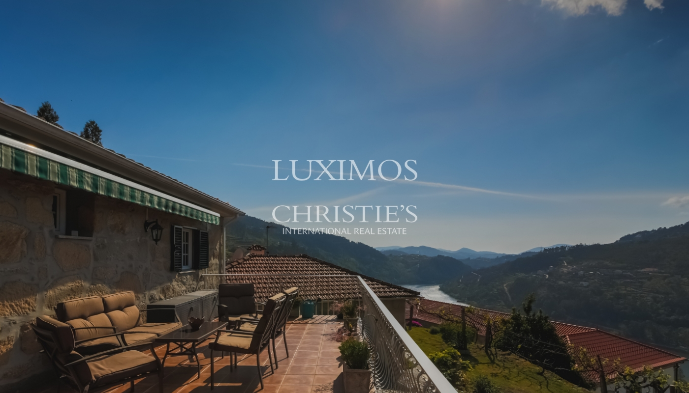 Sale country house with solar and pool, Cinfães do Douro, Portugal_102218