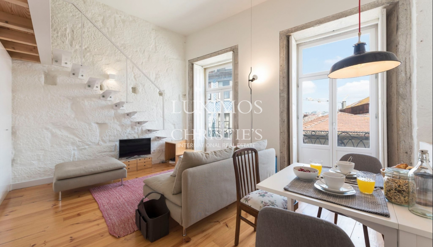 Sale of charming apartment in central location, Porto, Portugal_102448