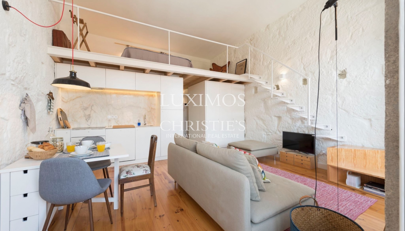 Sale of charming apartment in central location, Porto, Portugal_102449