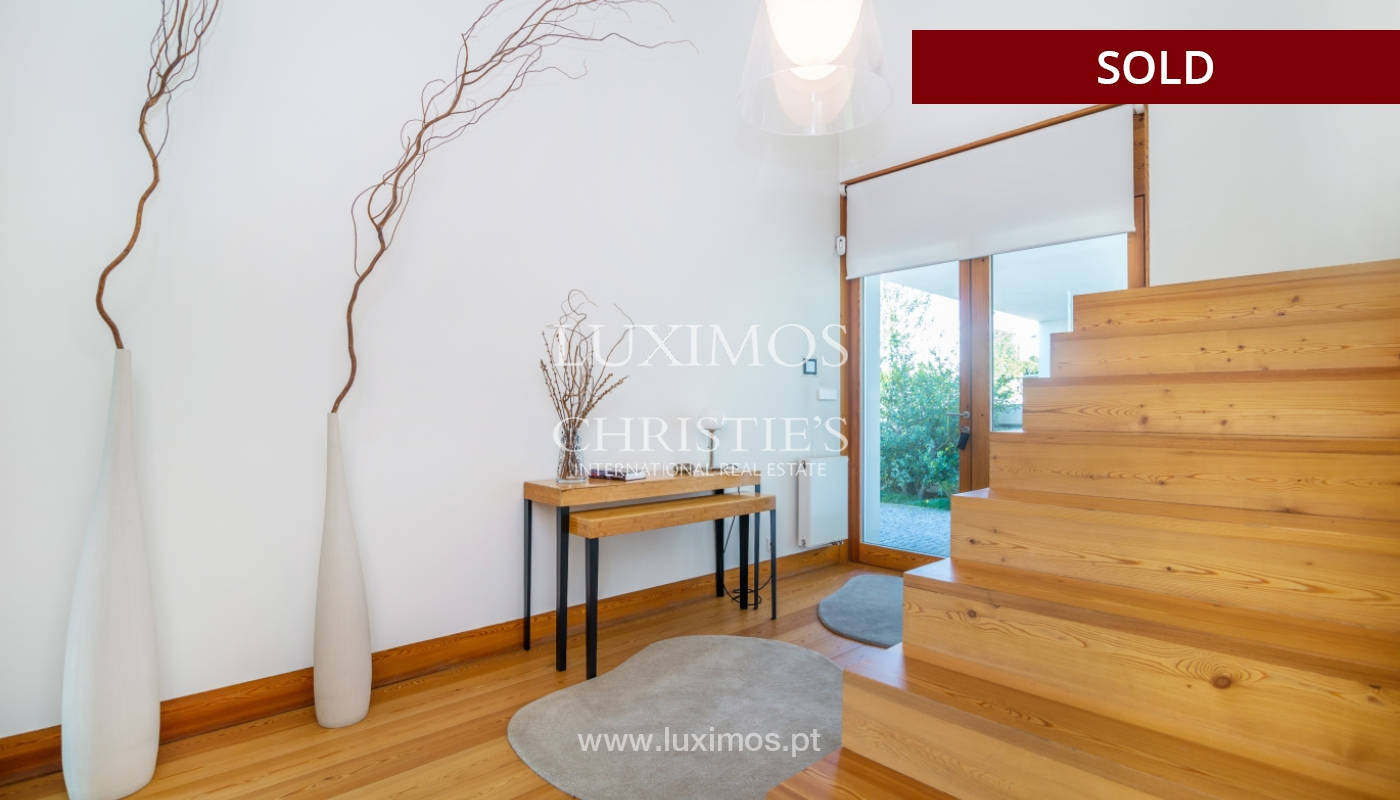 Sale of modern villa with large garden, Paredes, Portugal_102582