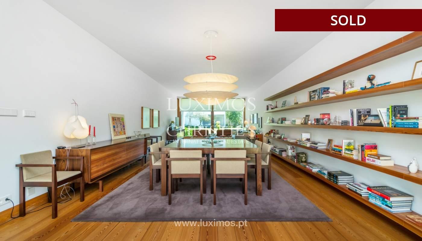 Verkauf eine moderne villa mit großem Garten, Paredes, Portugal_102585