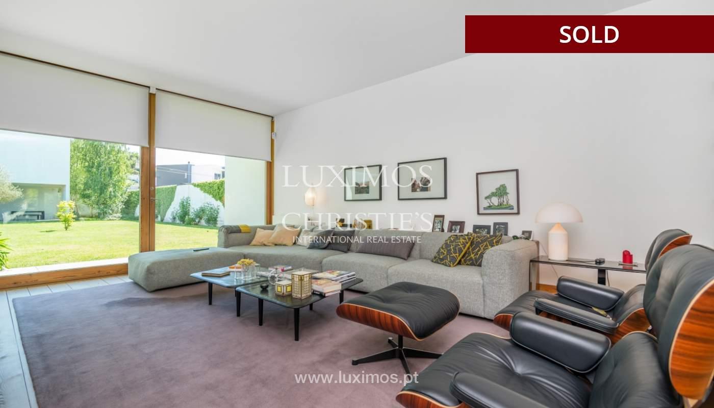 Verkauf eine moderne villa mit großem Garten, Paredes, Portugal_102586