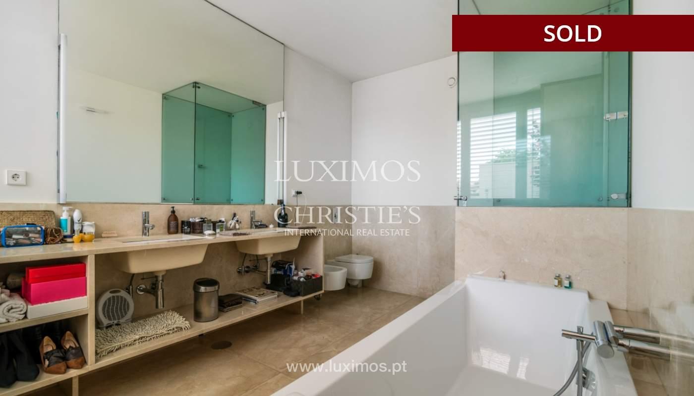 Verkauf eine moderne villa mit großem Garten, Paredes, Portugal_102594