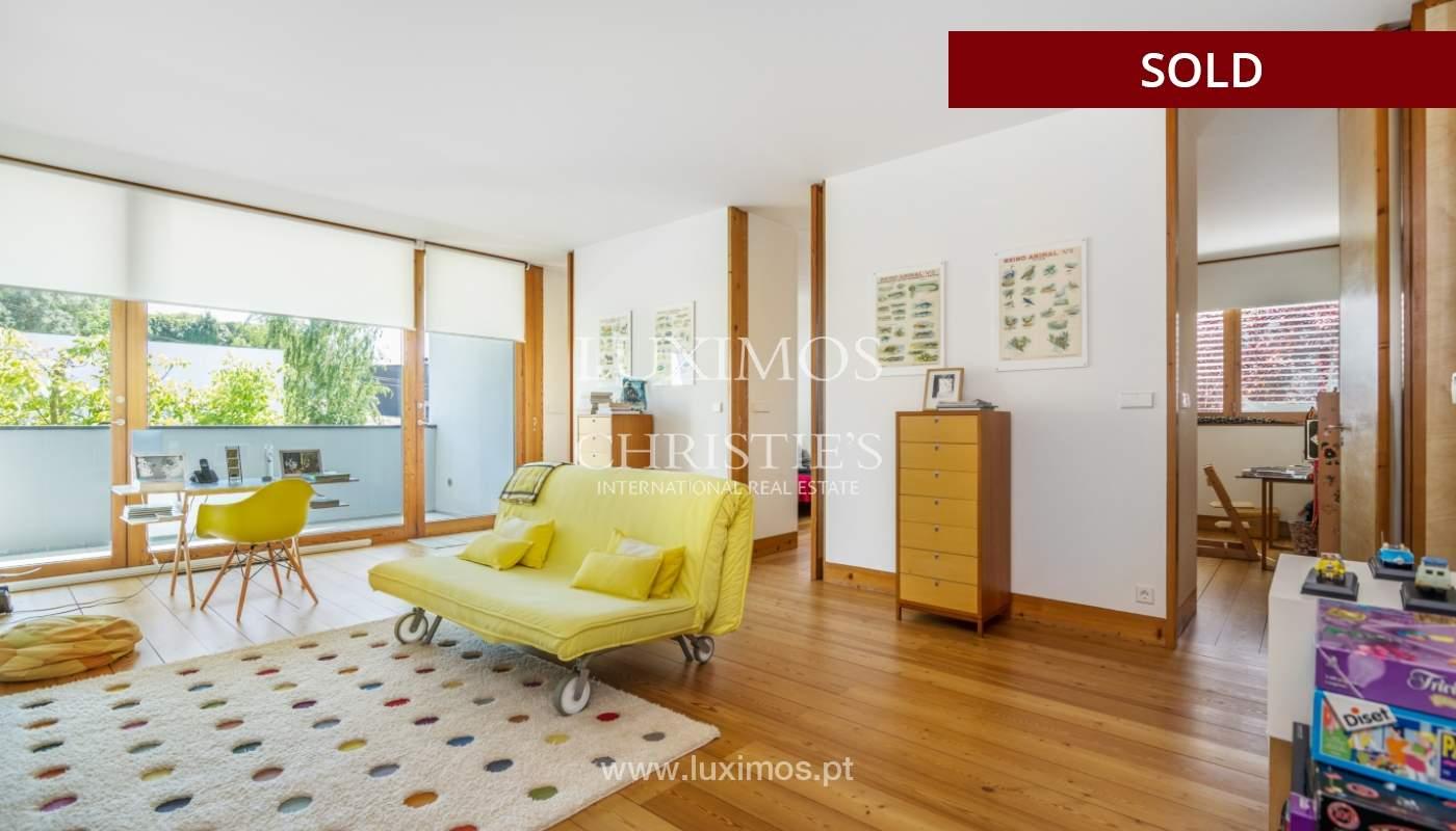 Verkauf eine moderne villa mit großem Garten, Paredes, Portugal_102596