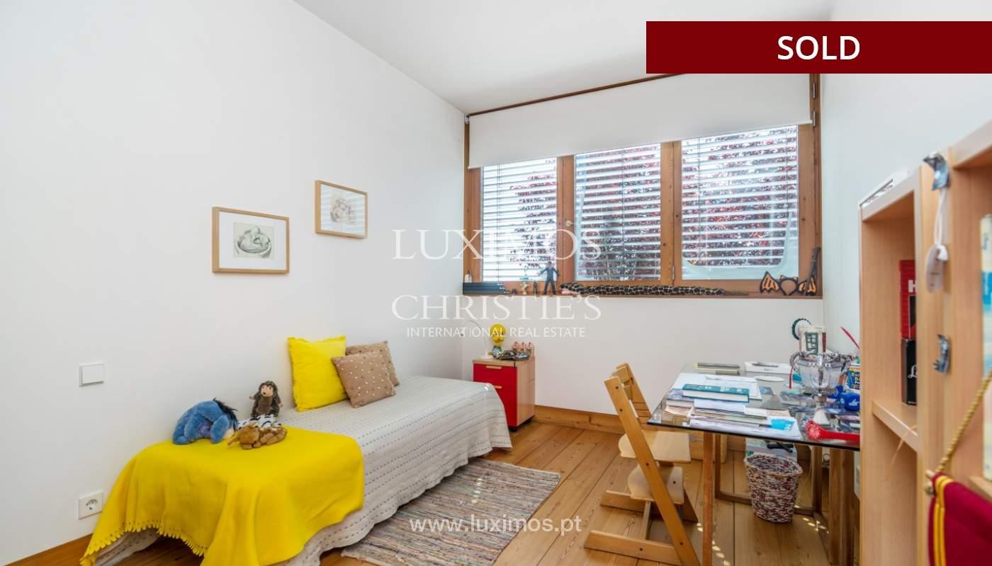 Verkauf eine moderne villa mit großem Garten, Paredes, Portugal_102597