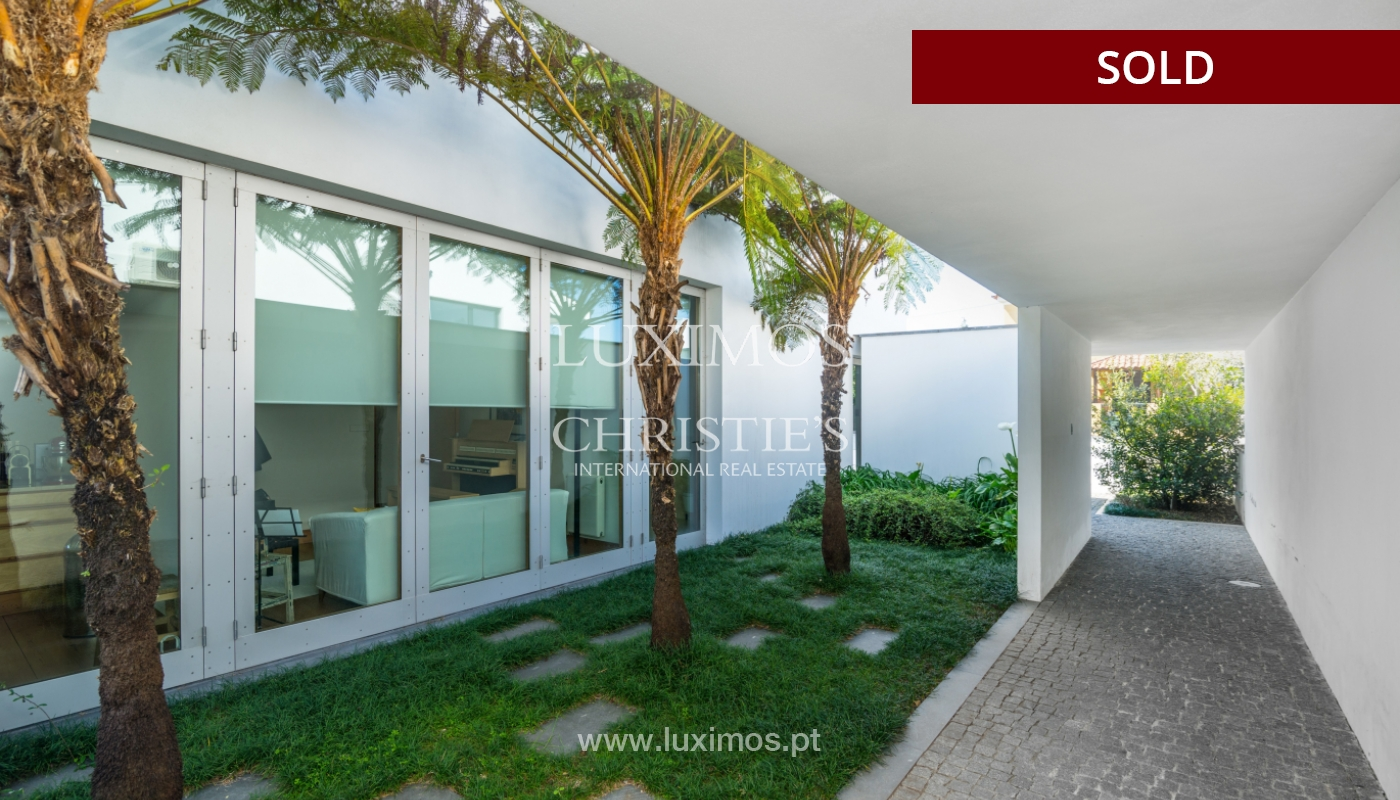 Sale of modern villa with large garden, Paredes, Portugal_102608