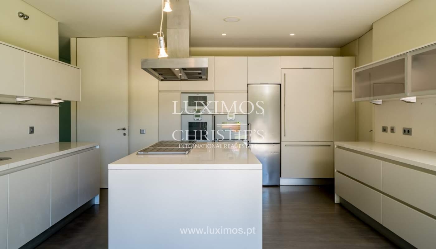 Villa de luxe moderne à vendre avec piscine  à Alvor, Algarve,Portugal_102614