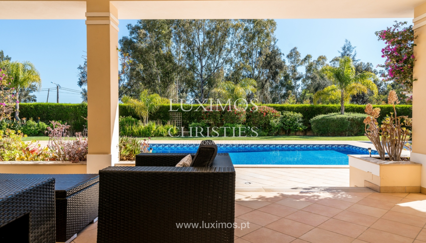 Sale of luxury villa with pool in Alvor, Algarve, Portugal_102664