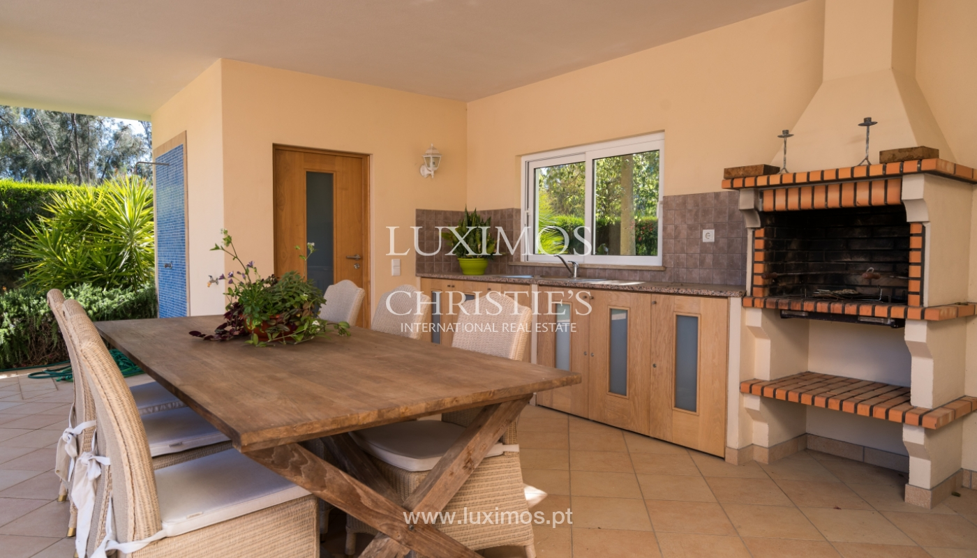 Sale of luxury villa with pool in Alvor, Algarve, Portugal_102666