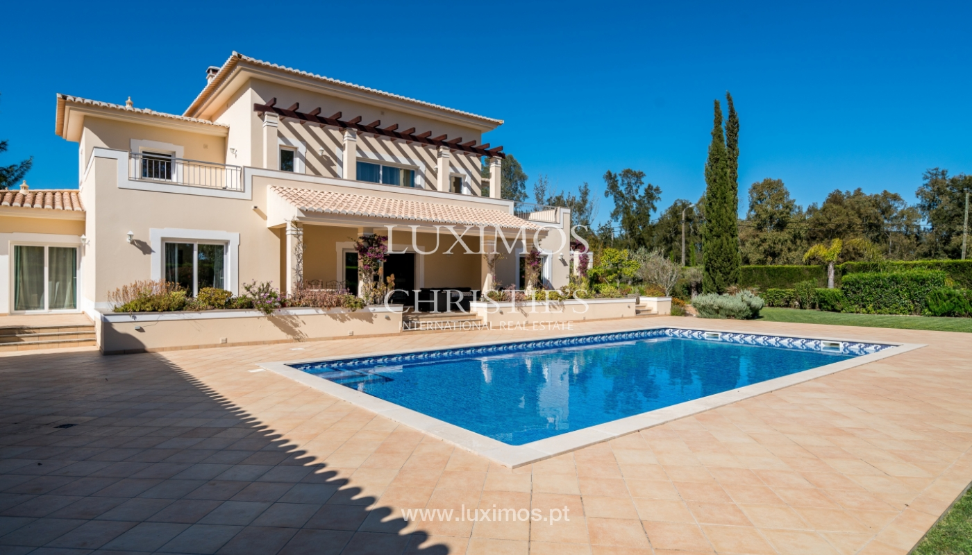 Sale of luxury villa with pool in Alvor, Algarve, Portugal_102667