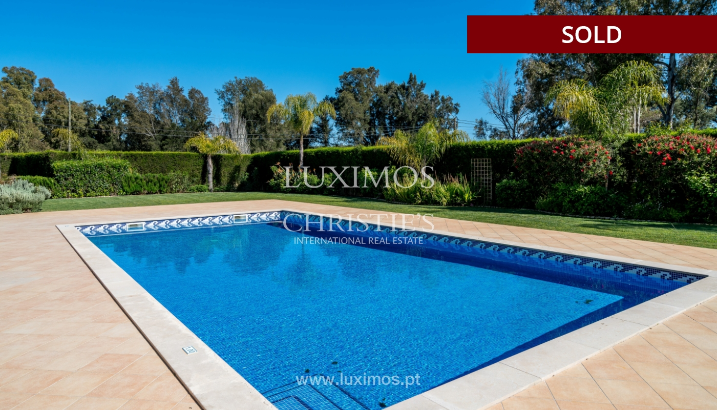 Sale of luxury villa with pool in Alvor, Algarve, Portugal_102669