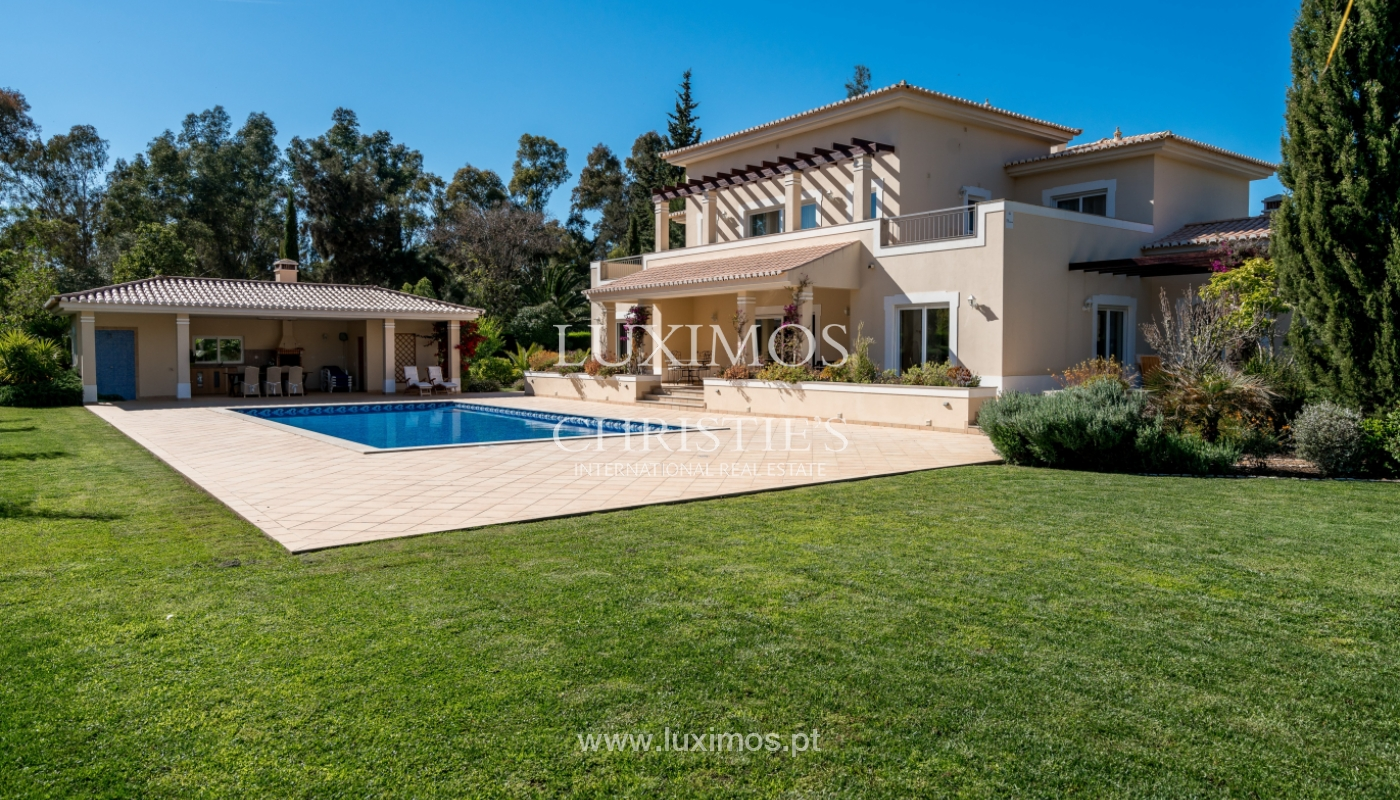 Sale of luxury villa with pool in Alvor, Algarve, Portugal_102670