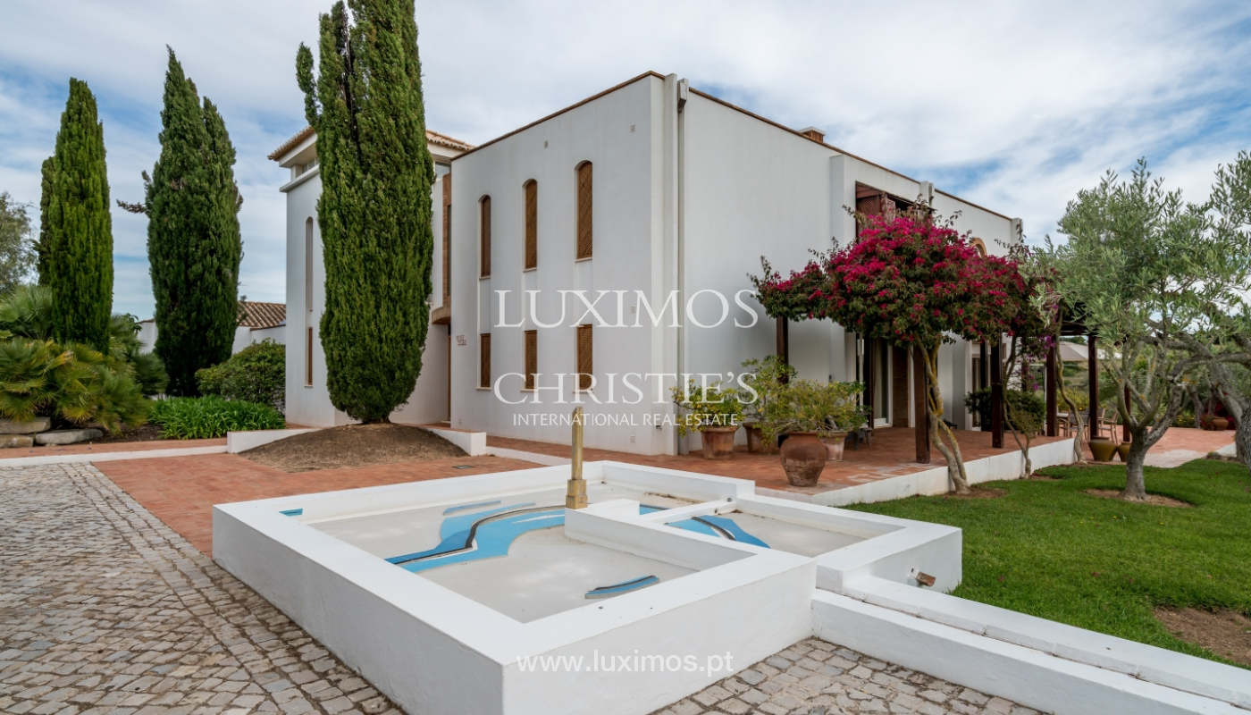 Sale of luxury property with swimming pool in Lagoa, Algarve, Portugal_103644