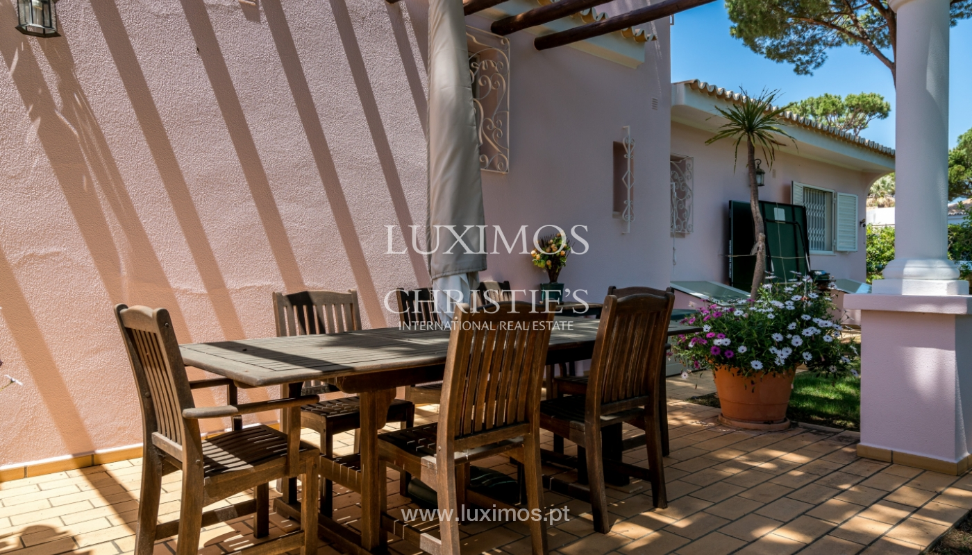 Venda de moradia com piscina em Vilamoura, Algarve_103823