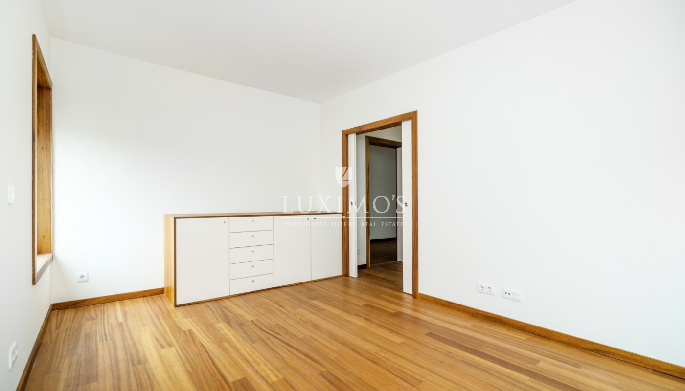 Sale of new apartment, in reference condominium, Porto, Portugal_103971