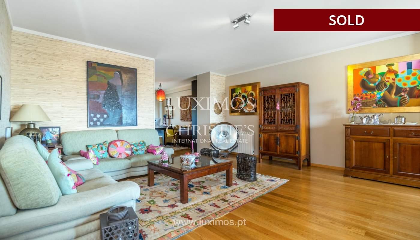 Venda de apartamento duplex com terraço e vistas mar, S. Félix Marinha_104116
