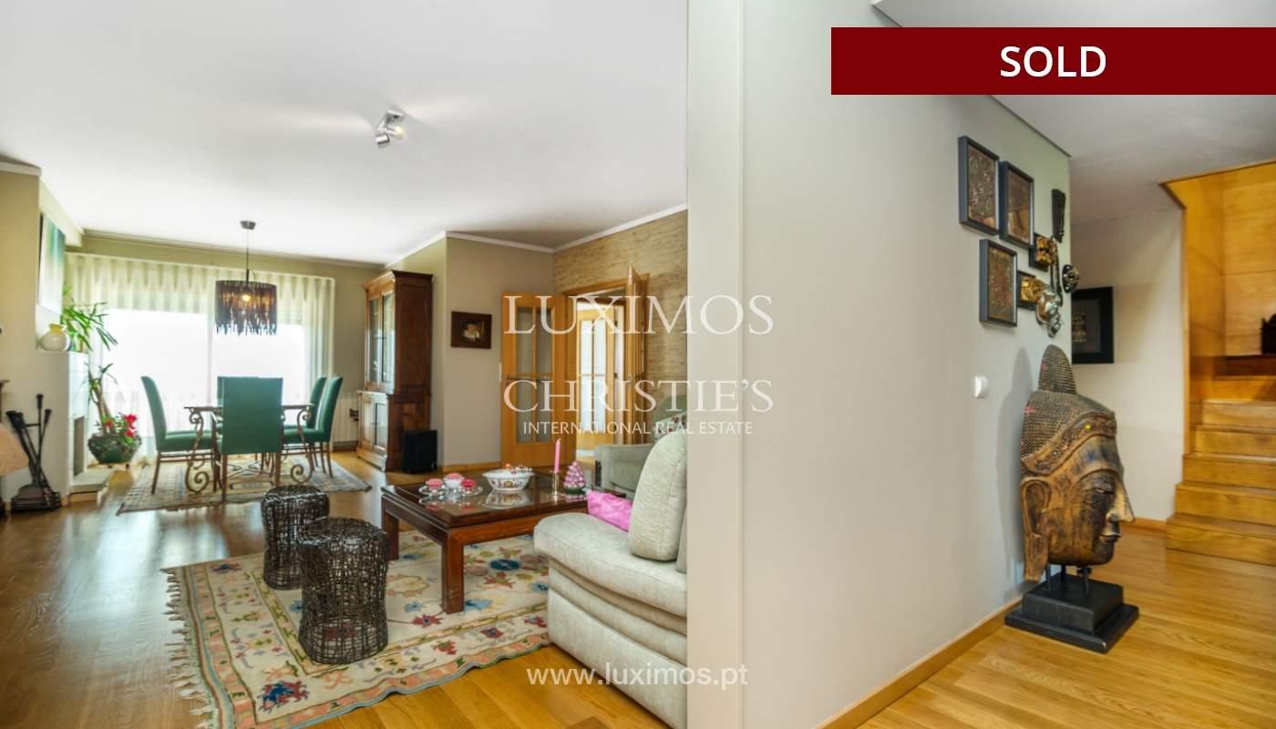 Venda de apartamento duplex com terraço e vistas mar, S. Félix Marinha_104118