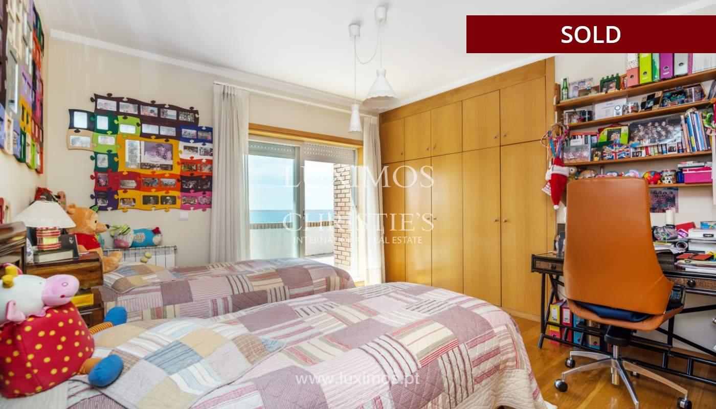 Venda de apartamento duplex com terraço e vistas mar, S. Félix Marinha_104125