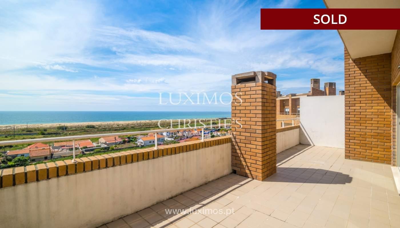 Venda de apartamento duplex com terraço e vistas mar, S. Félix Marinha_104126