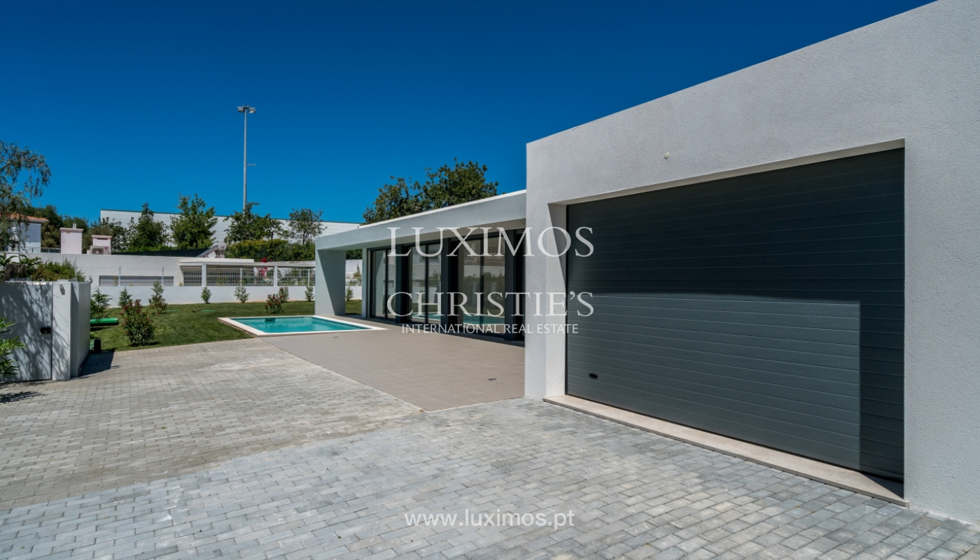 Detached villa for sale with swimming pool, near the beach, golf courses, Tavira, Algarve_104171