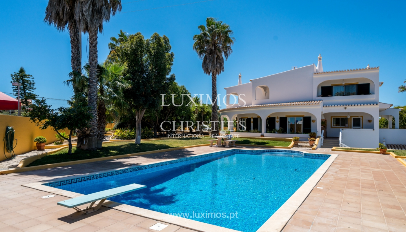 Sale of villa with pool in Porches, Lagoa, Algarve, Portugal_104233