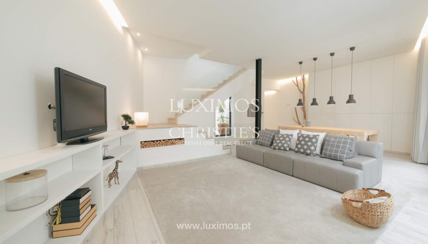 Maison de 3 étages, avec terrasse, à vendre au Porto, Portugal_104248