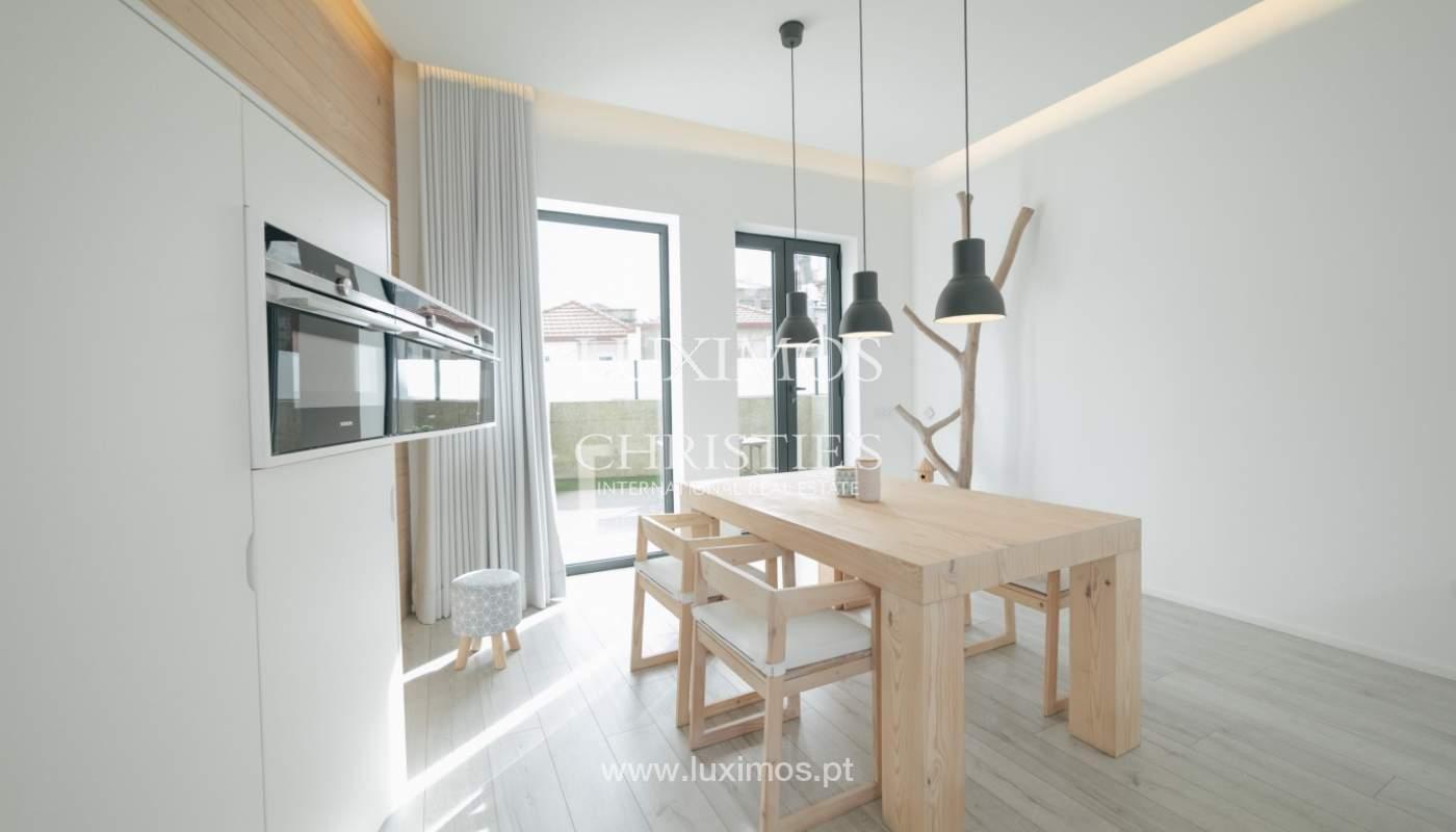Verkauf-villa 3 Etagen, mit Terrasse, im Zentrum von Porto, Portugal_104255