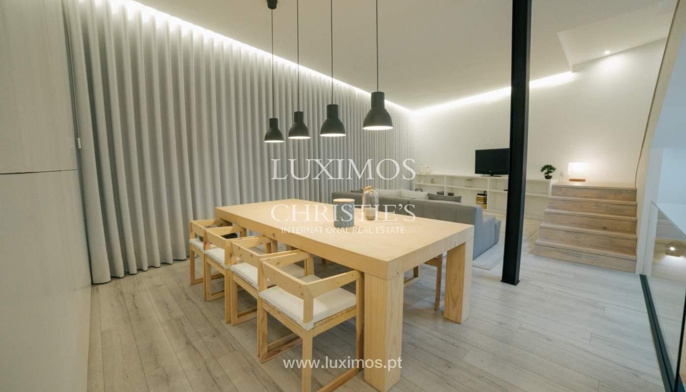 Maison de 3 étages, avec terrasse, à vendre au Porto, Portugal_104275