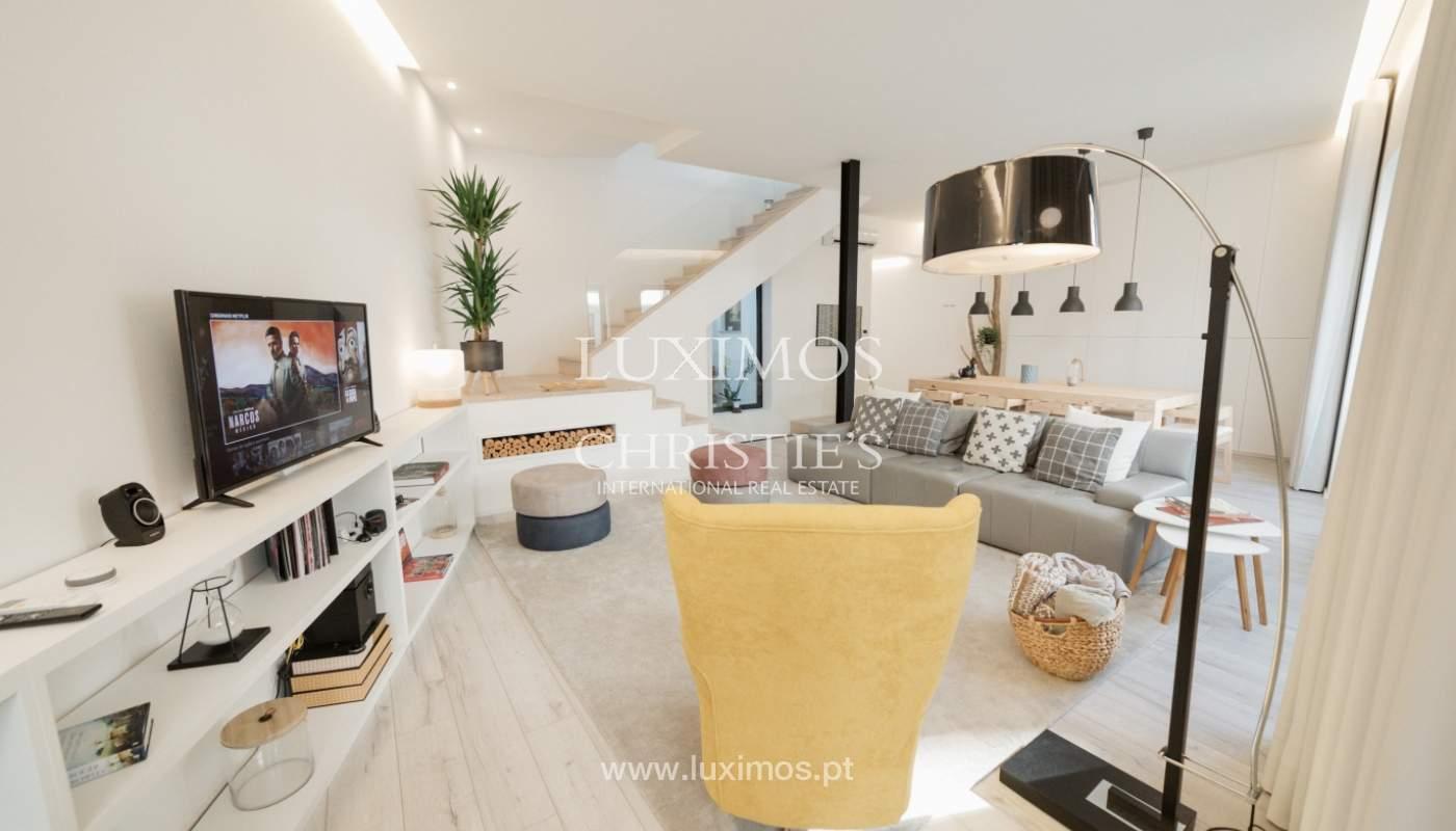 Maison de 3 étages, avec terrasse, à vendre au Porto, Portugal_104293